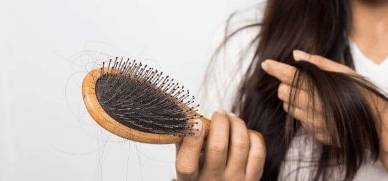 مسائل مربوط به سلامت از علل ریزش مو در بارداری